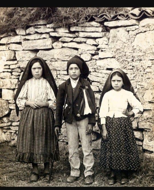 Fátima quando três crianças apareceu no ano de 1917