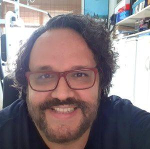 Jornalista e roteirista Marcio Tadeu dos Santos morre de Covid-19, em Santos — Foto: Reprodução/Facebook